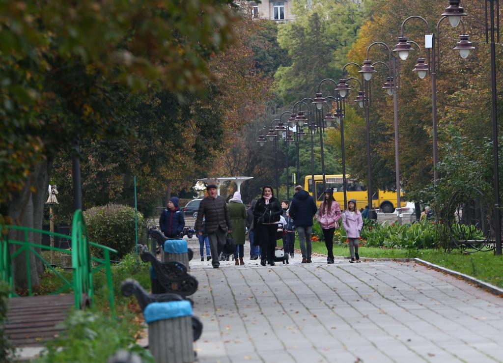 Для Луцька придбають паркові лавки за майже 200 тисяч