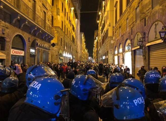 Протикарантинні безлади спалахнули в історичному центрі Флоренції