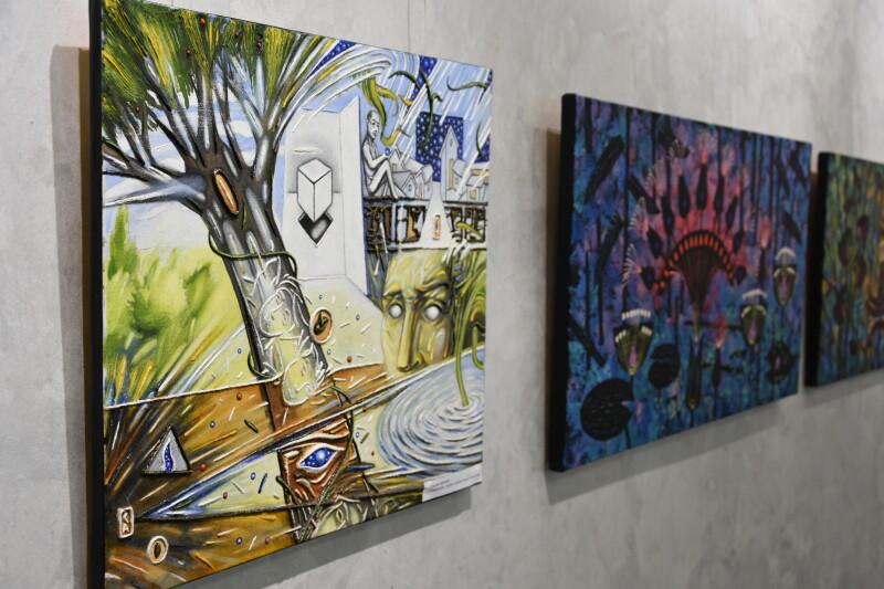 У Луцьку презентували виставку робіт викладачів художньої школи