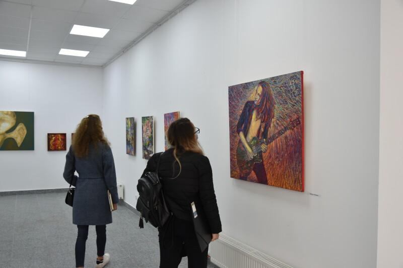 У Галереї мистецтв презентували виставку луцьких художників