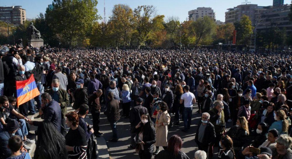 У Єревані відбувся новий мітинг з вимогою відставки прем'єра за здачу Карабаху
