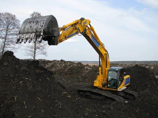 Муніципали інформують, кому дозволили проводити земляні роботи у Луцьку