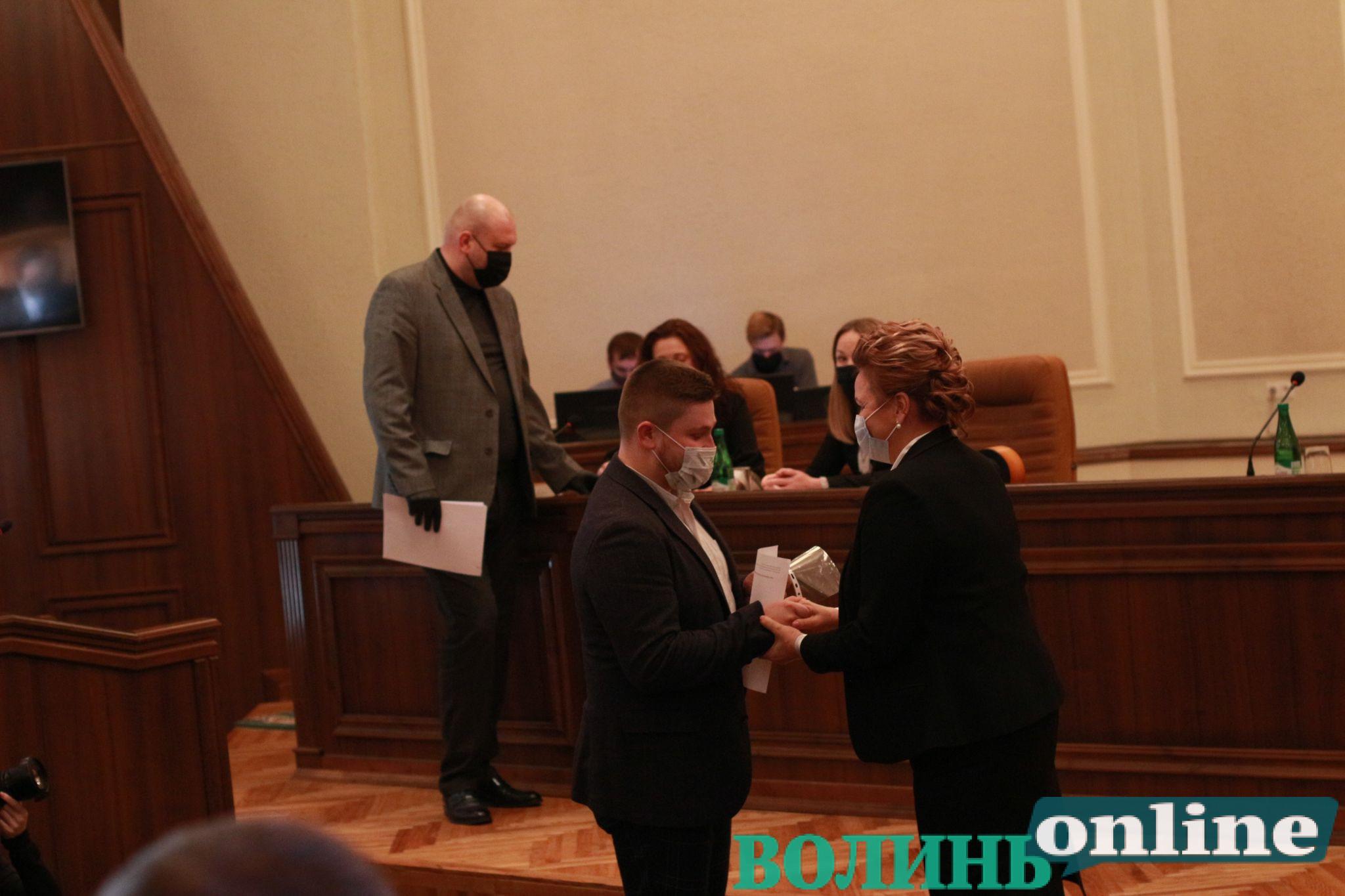 Новообрані депутати Волиньради отримали посвідчення