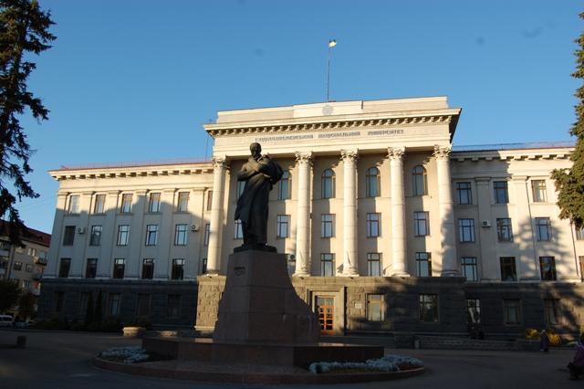 ВНУ імені Лесі Українки витратить понад чотири мільйони на меблі
