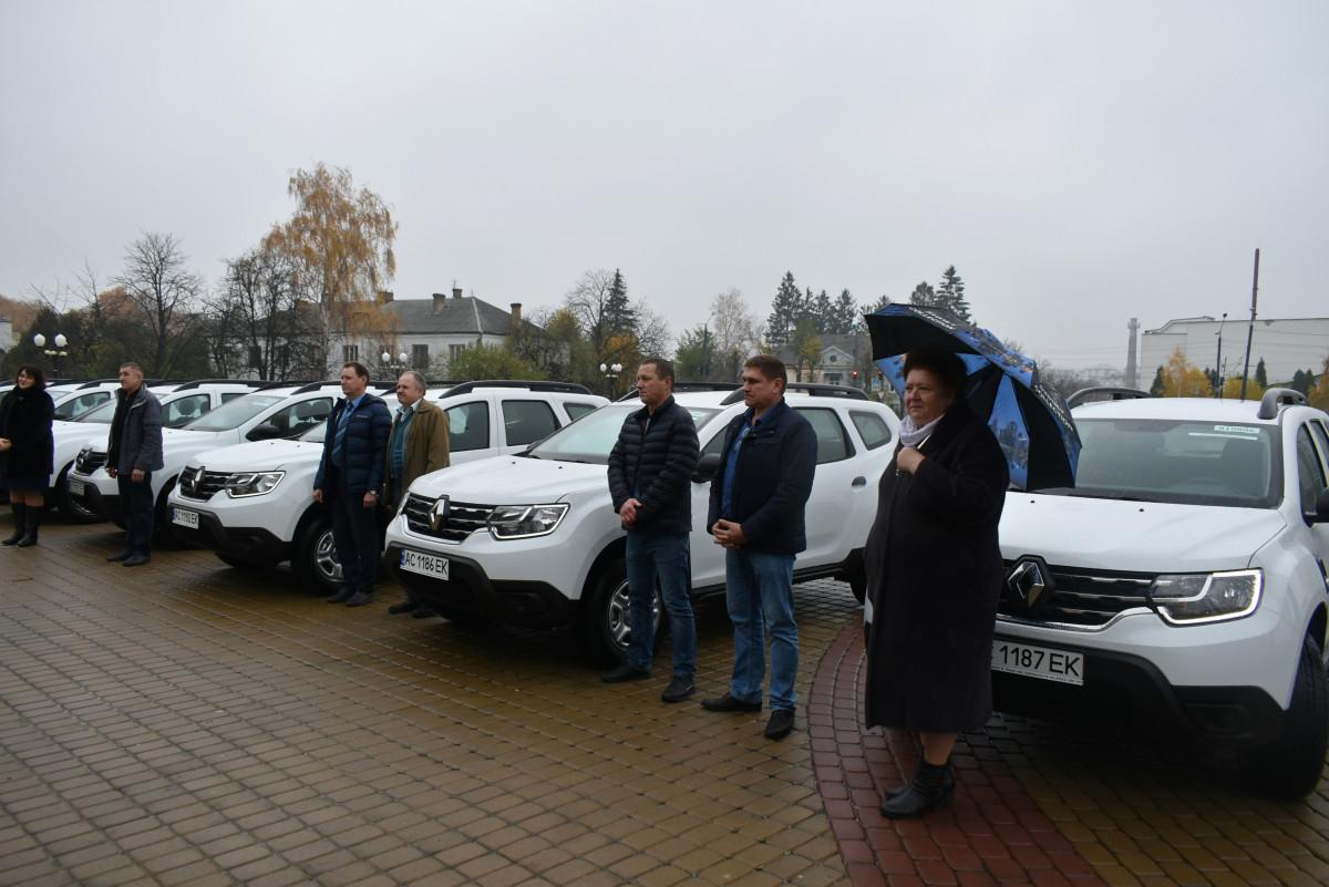 Амбулаторії Волині отримали ще сім нових автомобілів в рамках проекту Світового банку