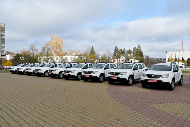 Сільській медицині Волині передали 40 нових автомобілів