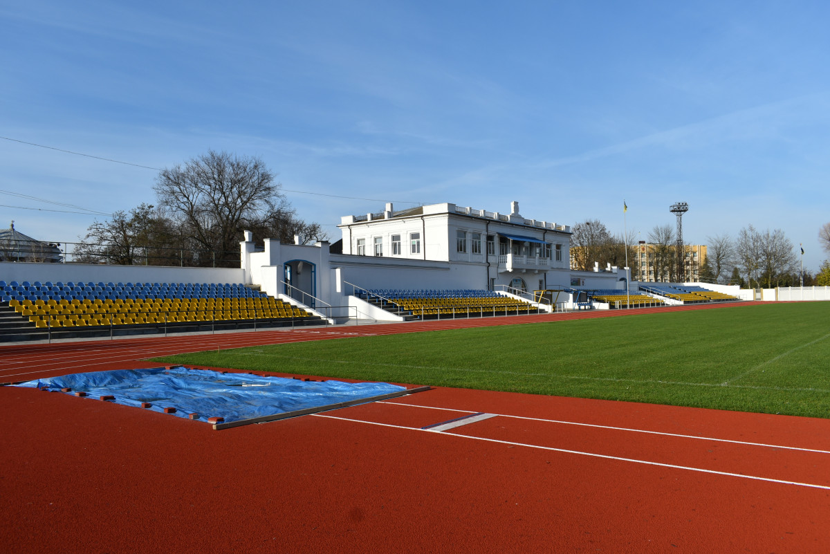 Голова Волинської ОДА проінспектував стадіон у Нововолинську