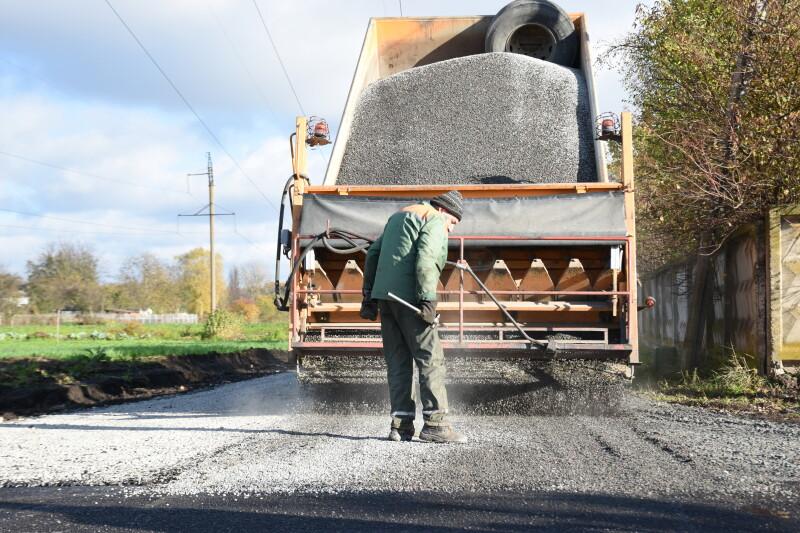 У Луцьку тривають капітальні ремонти доріг та прибудинкових територій