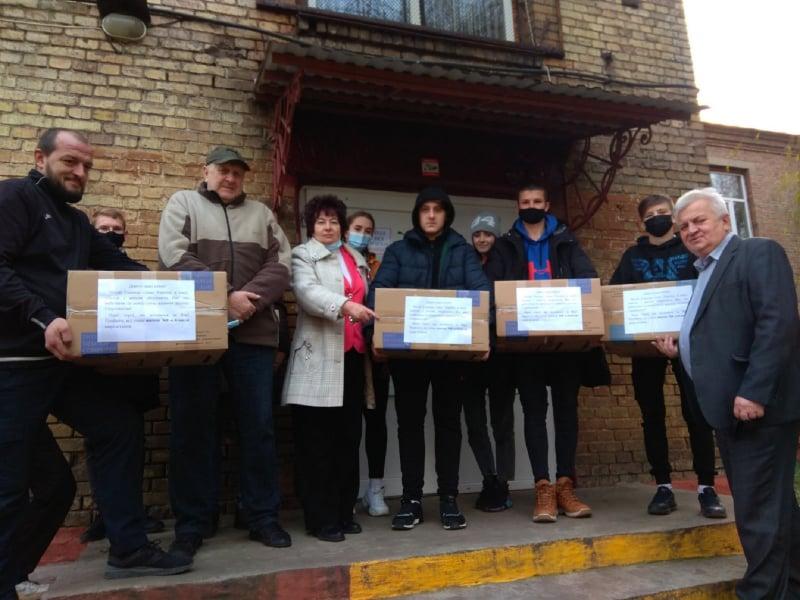 Ковельська школа зібрала посилки для воїнів