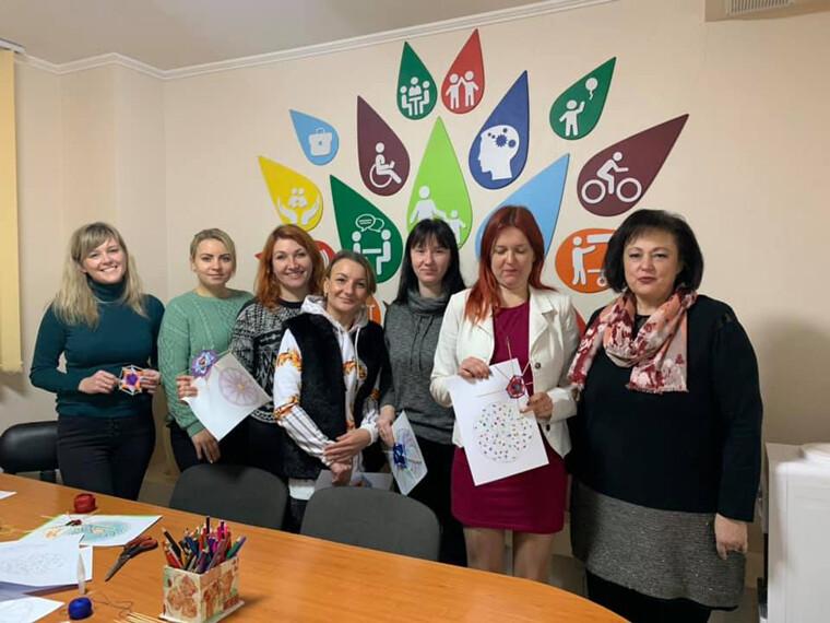 Для мам діток з інвалідністю у Луцьку організували арт-терапію