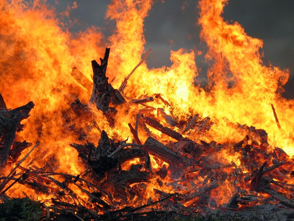 На Волині ліквідували пожежу у п'ятиповерхівці