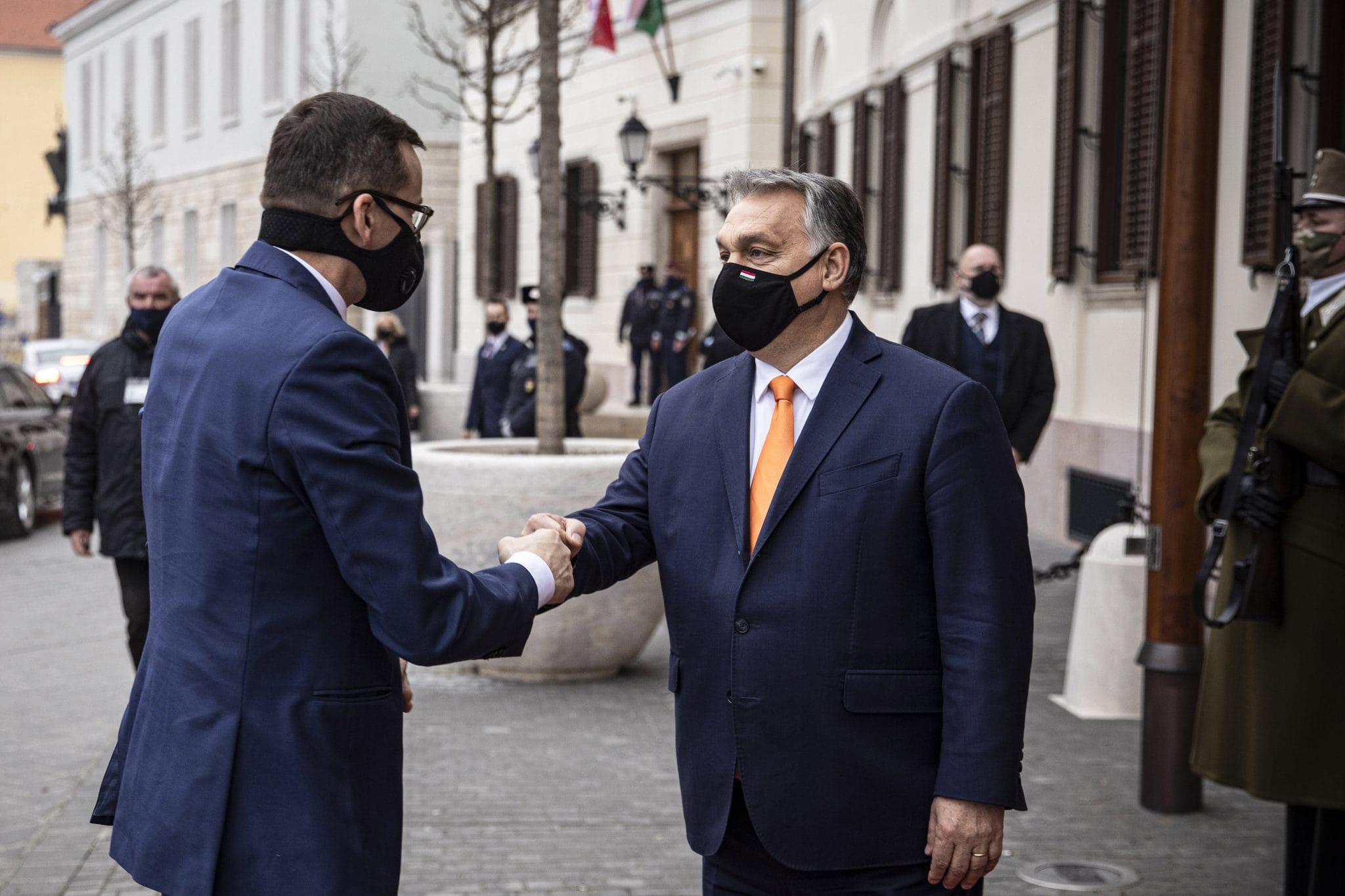 Прем'єри Польщі і Угорщини пригрозили ЄС розпадом через механізм верховенства права