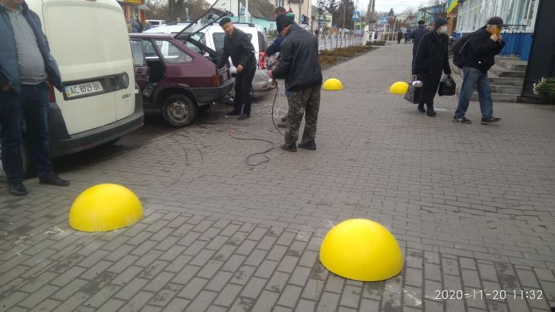 У місті на Волині встановили обмежувачі руху на одній з вулиць