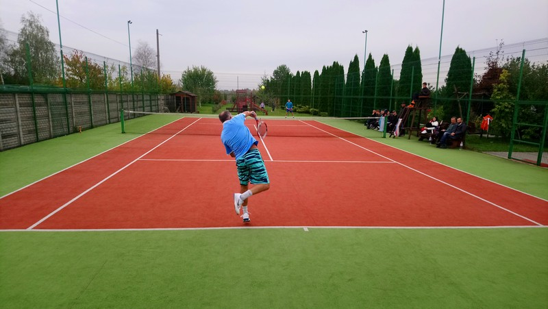 У місті на Волині  організували турнір з тенісу серед чоловіків «Золота осінь 2020»