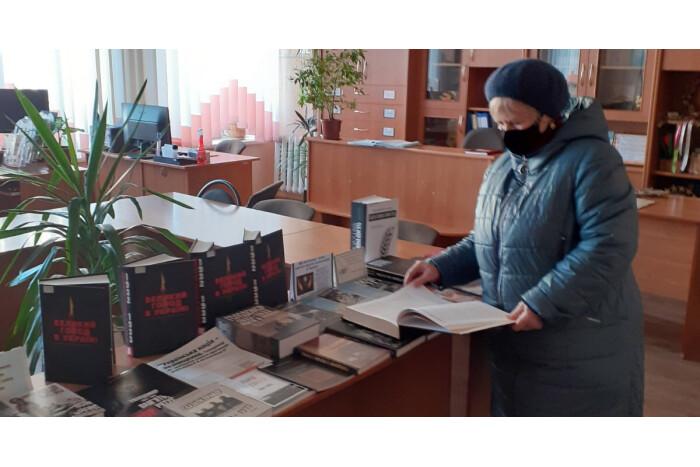 У Луцьку відкрили виставку документів до Дня пам'яті жертв Голодомору в Україні