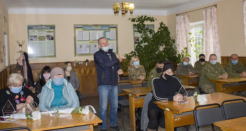 У Нововолинську членам родин загиблих бійців вручили почесні нагороди
