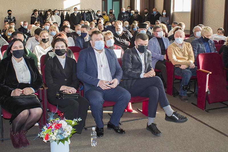 У Нововолинську відбулася перша сесія новообраної міськради