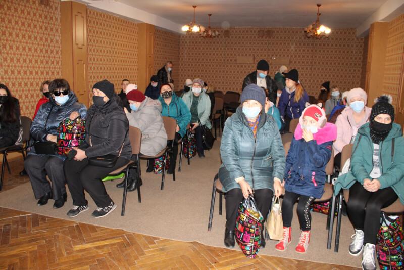 У Луцьку вручили продуктові набори сім'ям, які потребують соціальної підтримки