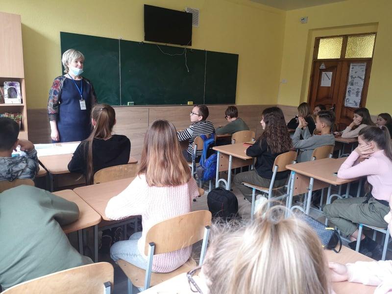 Волинським школярам розповіли про проблему насильства