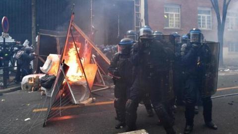 Під час протестів у Франції затримали 95 осіб, 67 правоохоронців поранені