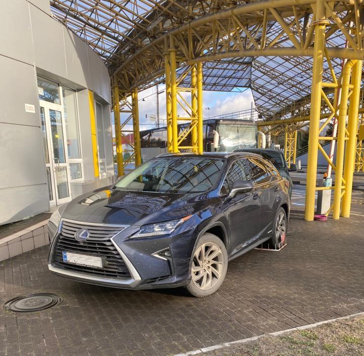 У «Ягодині» виявили викрадений в Німеччині «Lexus»