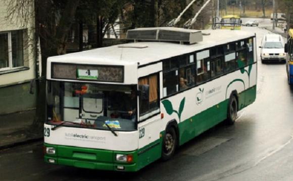 Хто безплатно їздитиме у тролейбусах та автобусах Луцька у 2021 році