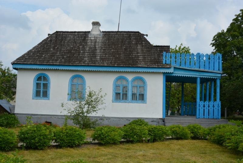 Стан будівель плачевний: у комісії Волиньради обговорили питання порятунку Лесиних будиночків у Колодяжному