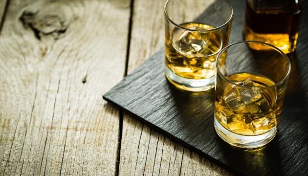 Науковці назвали три найнебезпечніші для вживання спиртного періоди життя людини