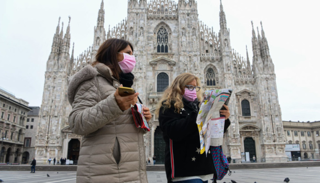 Жорсткий карантин: Італія «почервоніє» на зимові свята