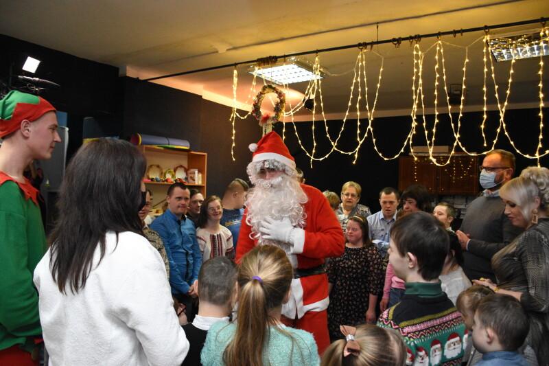 У Луцьку із різдвяними святами вітали дітей особливої долі