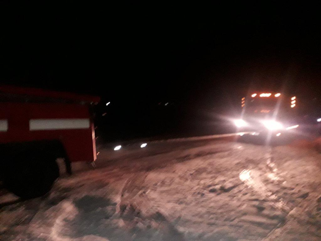 На Волині рятувальники відбуксирували з кюветів п'ять автомобілів