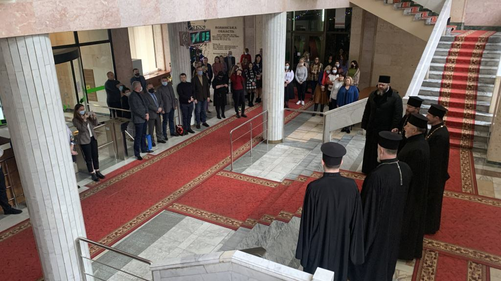 Митрополит Михаїл та волинське духовенство колядували у Волиньраді