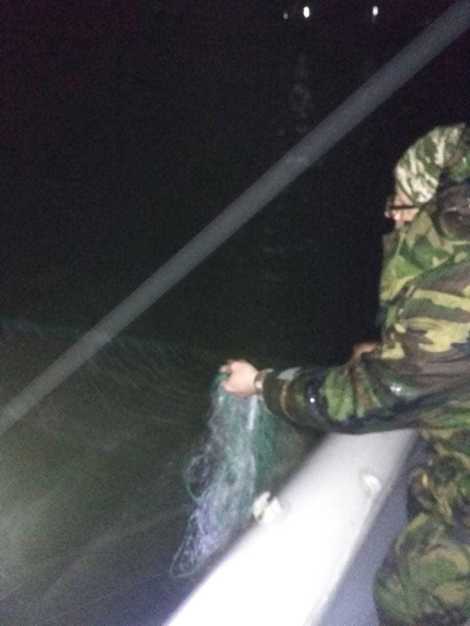 На волинському водосховищі вилучили браконьєрські сітки