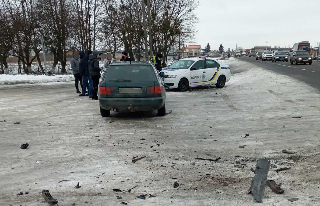 У ДТП поблизу Луцька постраждали двоє людей