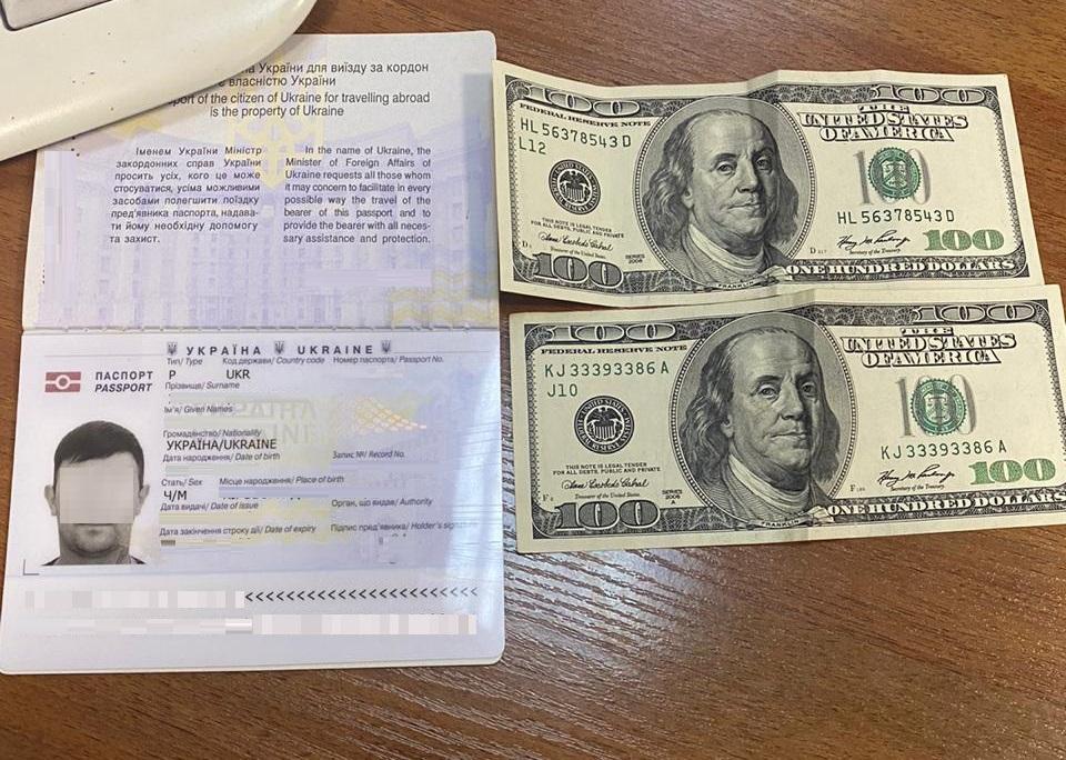 У Ягодині чоловік пропонував 200 доларів, аби безперешкодно потрапити до Польщі