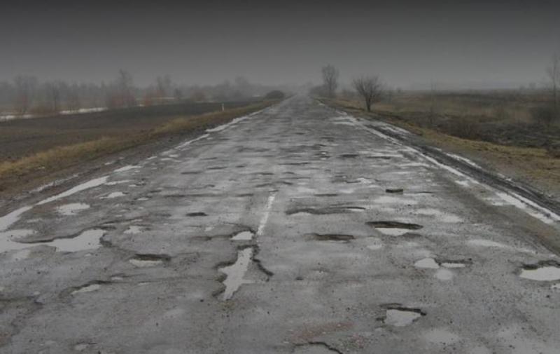 Депутати Волиньради вимагають ремонту зруйнованих доріг