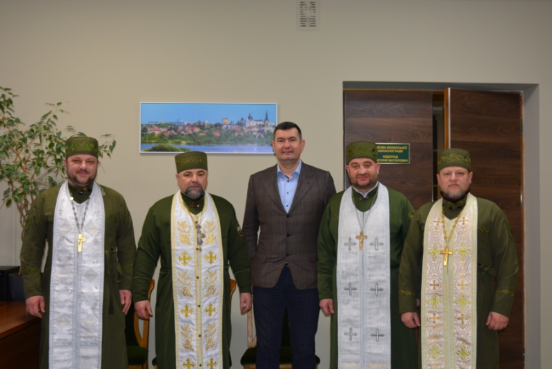 Військові капелани Волині благословили обласну раду