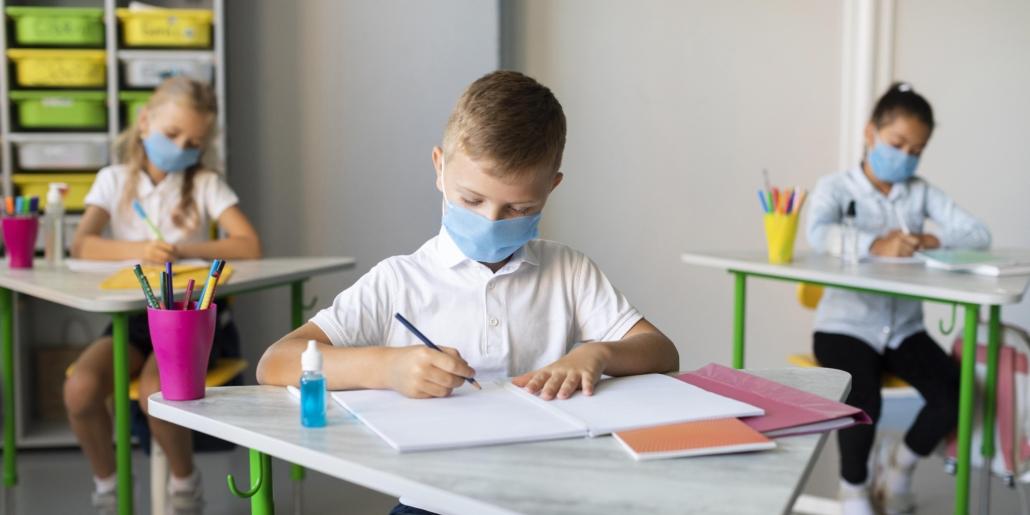 Нововолинські школярі протягом тижня навчатимуться дистанційно