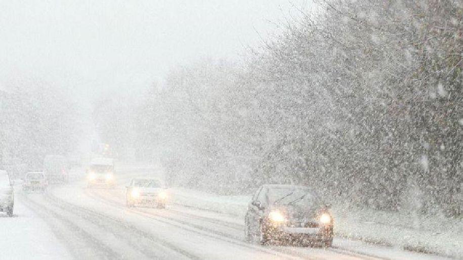 Ожеледиця та хуртовини: рятувальники попередили волинян про ускладнення погодних умов