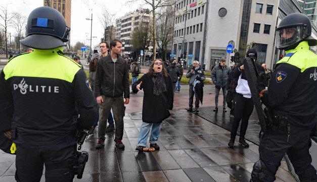 У Нідерландах за тиждень виписали понад 11 тисяч штрафів за порушення комендантської години