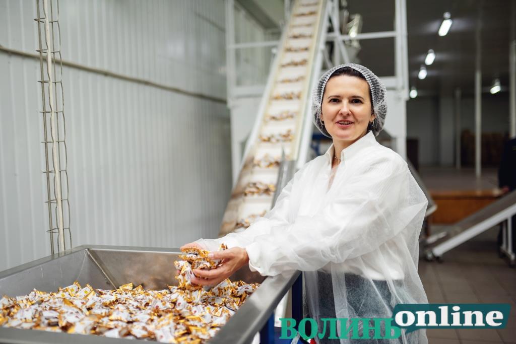 #БізнеСильні: як на Волині налагодили виробництво солодощів ТМ «Chocoboom»