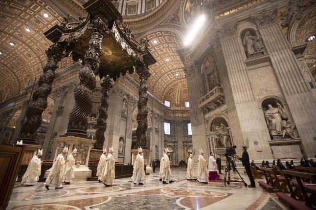 Ватикан розпочне вакцинацію від коронавірусу