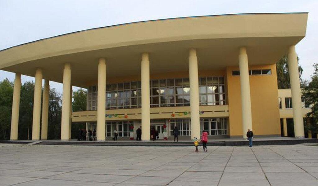 Палацу учнівської молоді у Луцьку повернули незаконно здане в оренду приміщення