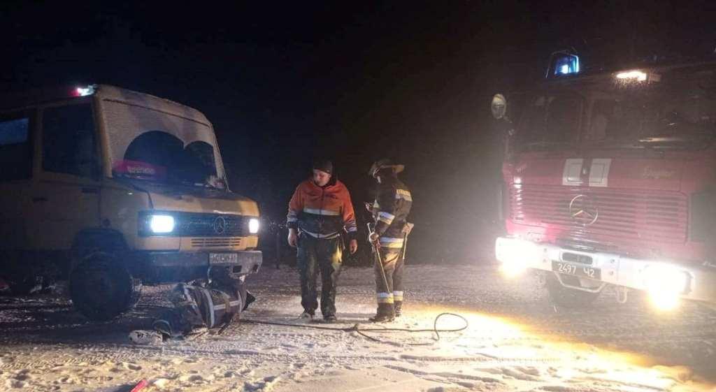 Рятувальники на Волині допомагали водіям, які потрапили у скрутну ситуацію через негоду
