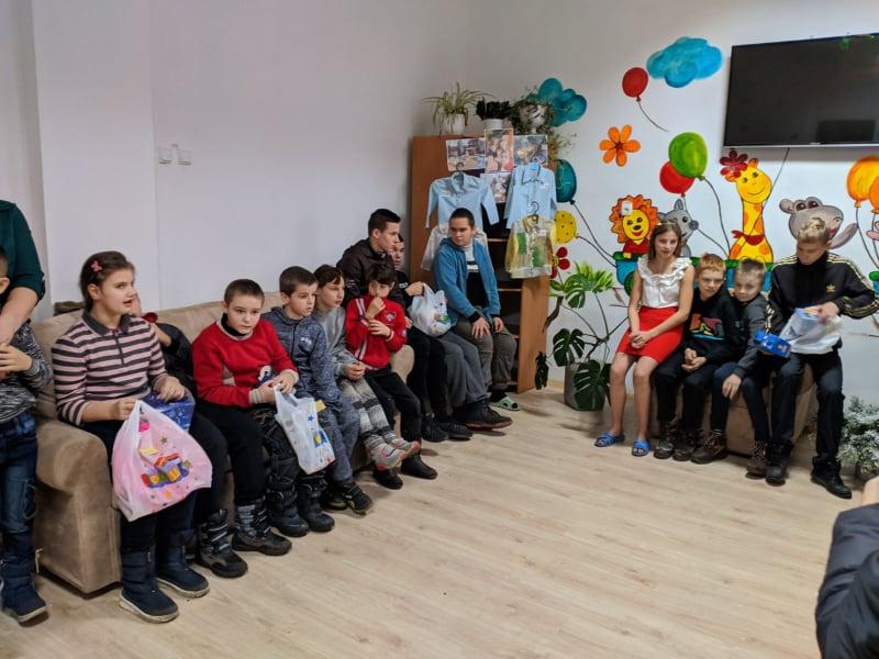 У Шацькій громаді діти отримали подарунки від благодійників