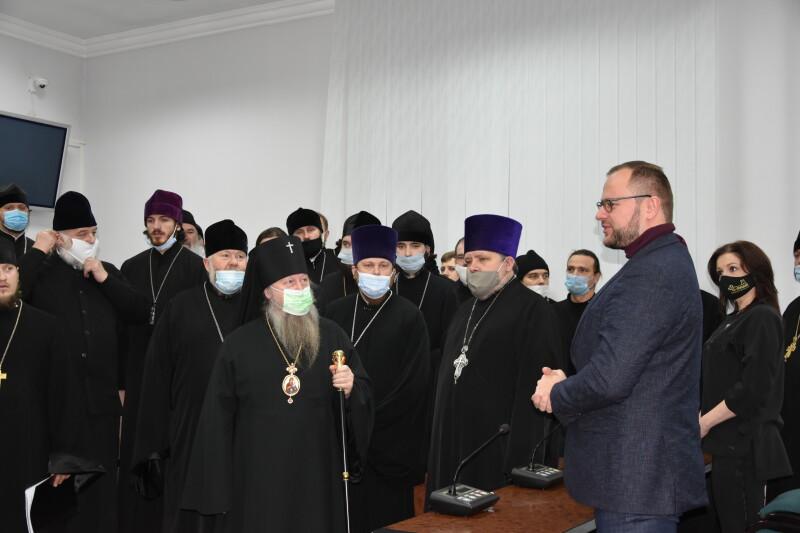 У Луцькраді колядували священики УПЦ МП