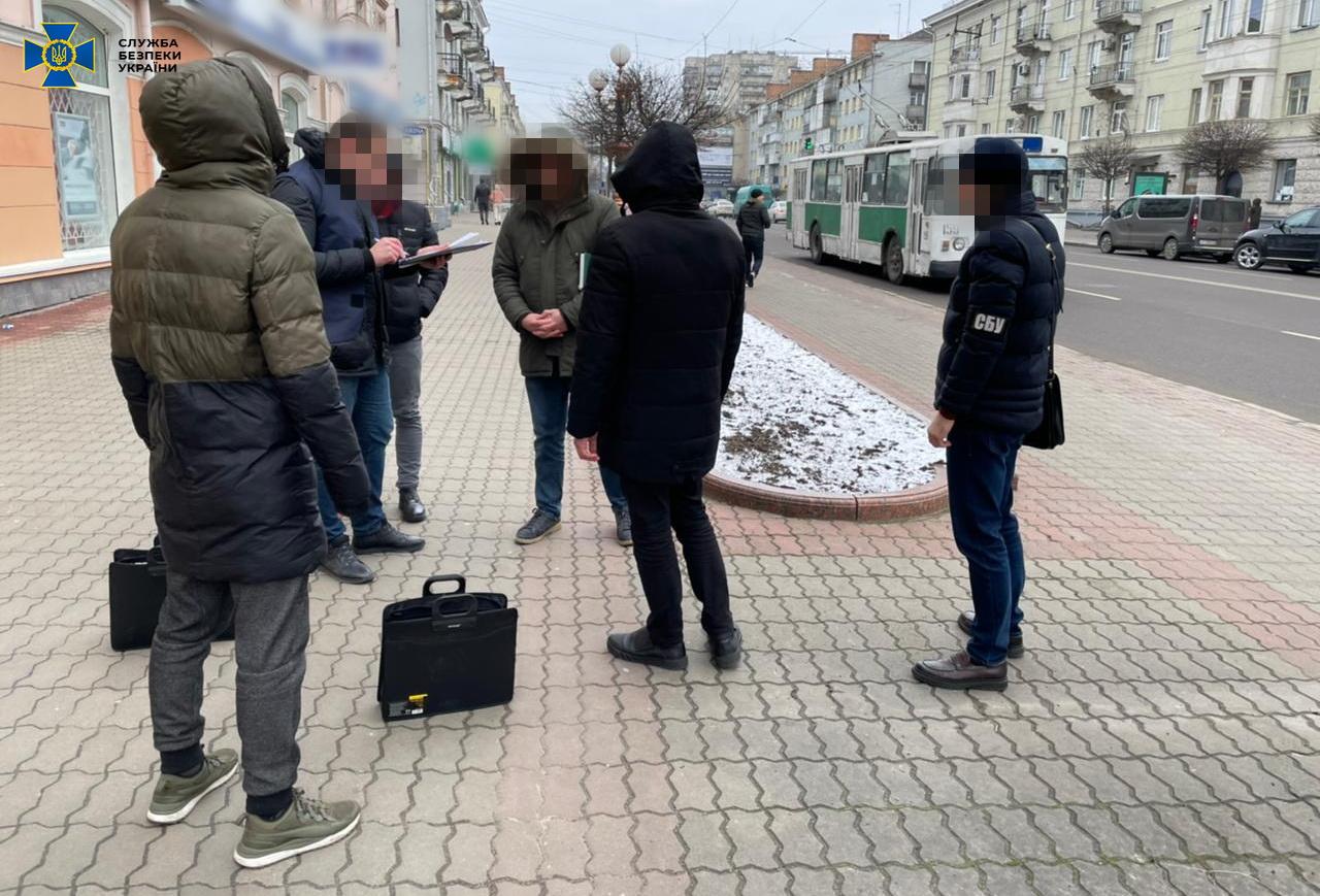 У Луцьку СБУ викрила двох посадовців Держекоінспекції на корупції