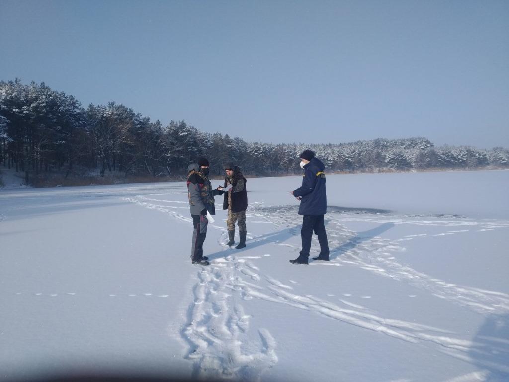 Волинським рибалкам нагадали про правила зимової риболовлі