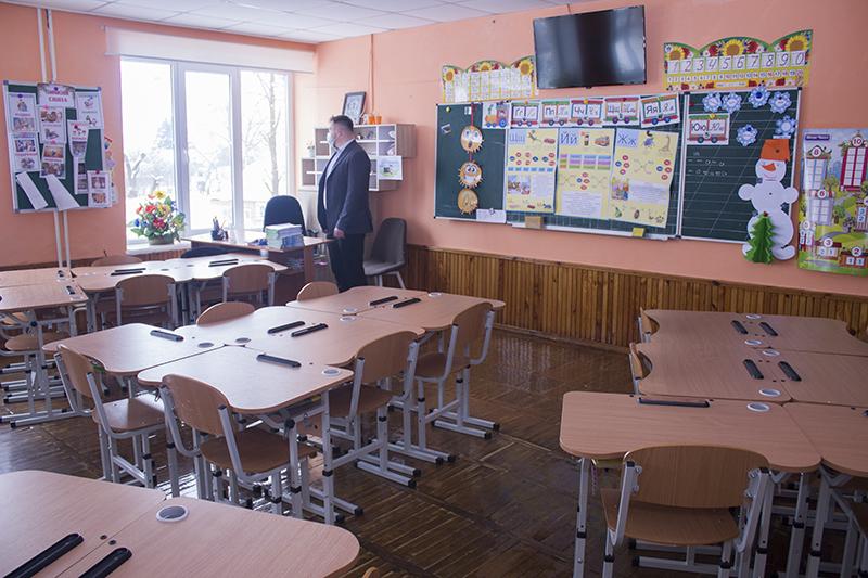 У Нововолинську продовжують інспектувати заклади освіти