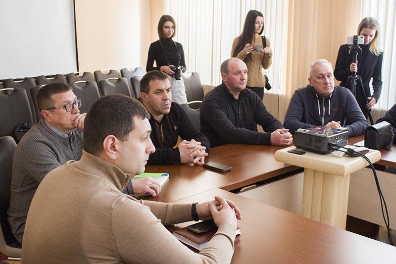 Мер Нововолинська зустрівся з підрядниками